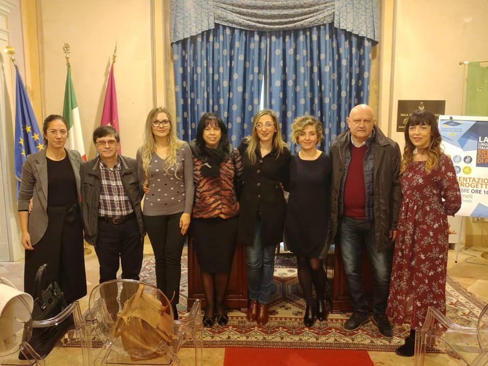 traduttore cerca lavoro momo roma capodanno
