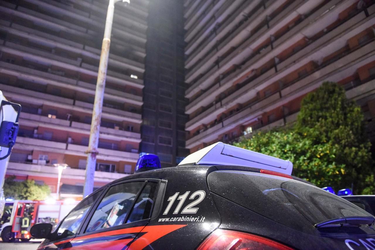 Era scomparsa da lunedì: ragazza di trent'anni muore per overdose davanti all'Hotel House