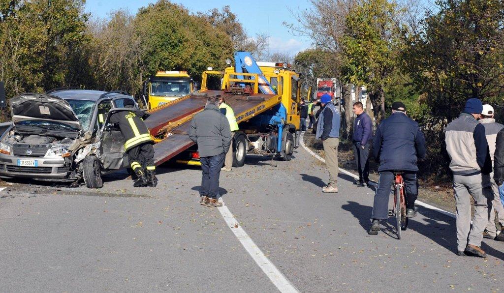 Incidenti stradali: tre feriti tra cui uno in gravi condizioni