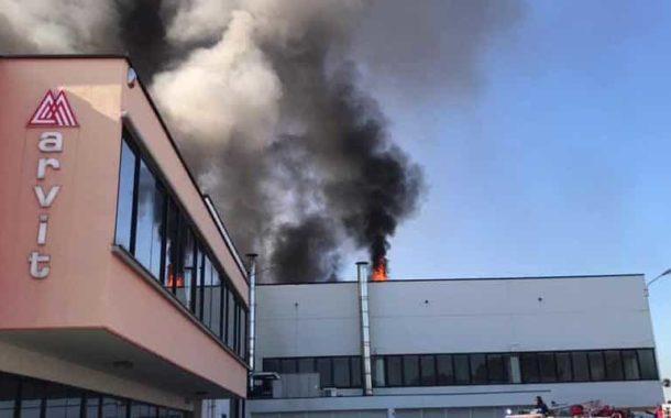A fuoco il tetto della