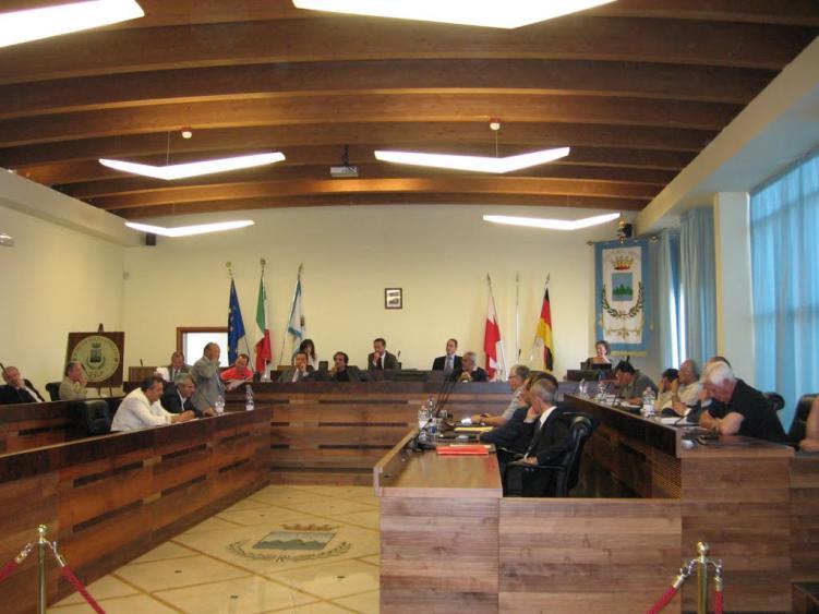 Roseto fuori dal Comitato ristretto dei sindaci della Asl. Le opposizioni: