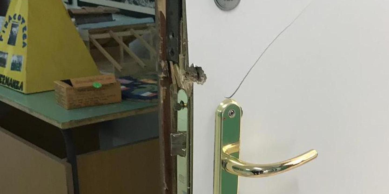 I ladri tornano a scuola:rubati tablet e scassinati distributori di bibite