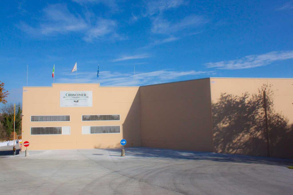 Colpo grosso nella fabbrica di concimi: rubati oltre 500mila euro di merce