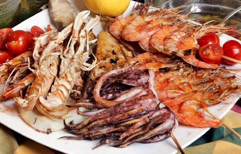 Pranzo Di Compleanno A Base Di Pesce : Pranzano a base di pesce ma non pagano il conto: gli scrocconi