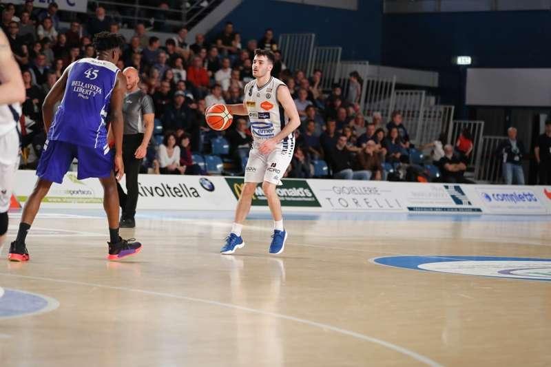Roseto Basket. Playoff Gara2: gli Sharks battuti (80-67) dal Treviglio. Venerdì al PalaMaggetti(ore 21:00) Gara3