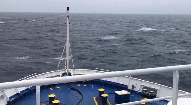 Motonave Ancona-Spalato in avaria. Odissea per 215 passeggeri stremati dopo 40 ore di navigazione